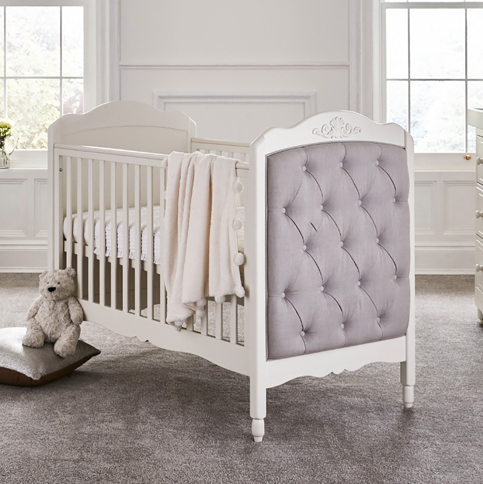 Mee-Go Epernay Cot Bed With Deluxe Maxi Air Cool Mattress - White