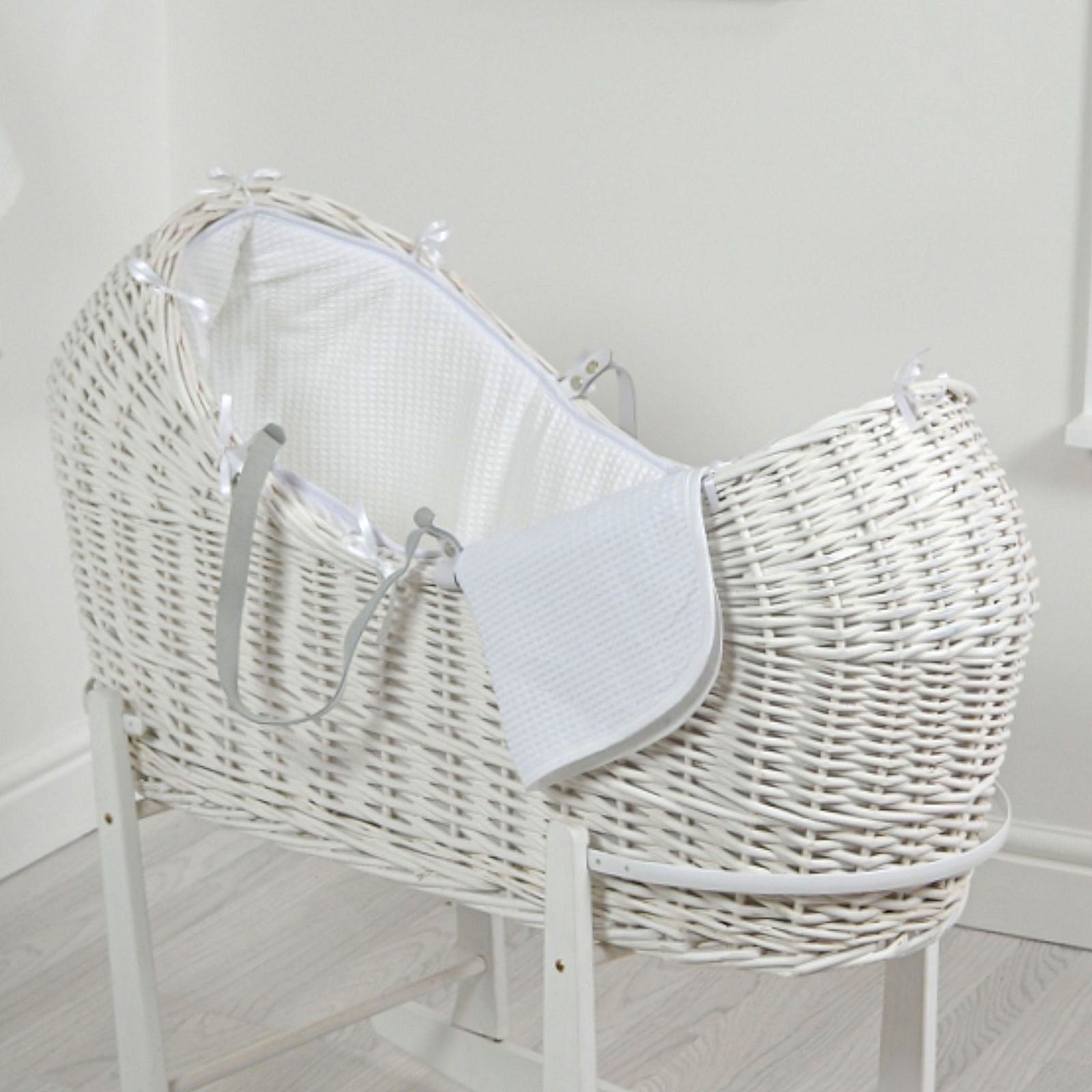 4baby White Wicker Snooze Pod White Waffle