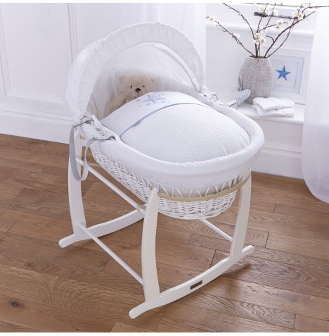 4baby Padded White Wicker Moses Basket & Deluxe Rocking Stand - Twinkle Blue