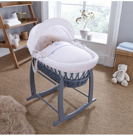 4baby Padded Grey Wicker Moses Basket & Deluxe Rocking Stand - Twinkle Blue