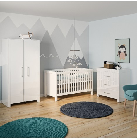 Little Acorns Snow High Gloss 5 Piece Nursery Room Set With Deluxe 4inch Foam Mattress - White