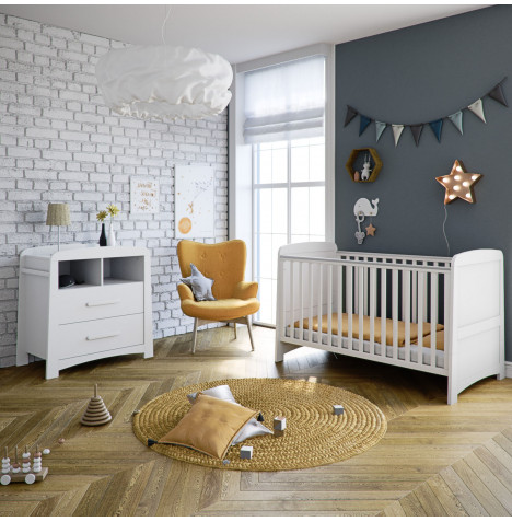 Mothercare Little Acorns Somerton Cot Bed 2 Piece Nursery Furniture Set - White