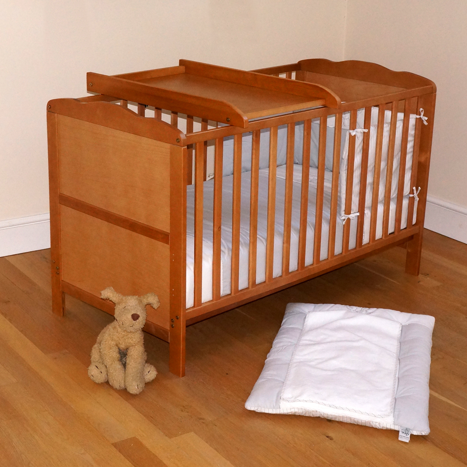 4baby country pine classic cot bed cotbed fibre mattress. Black Bedroom Furniture Sets. Home Design Ideas