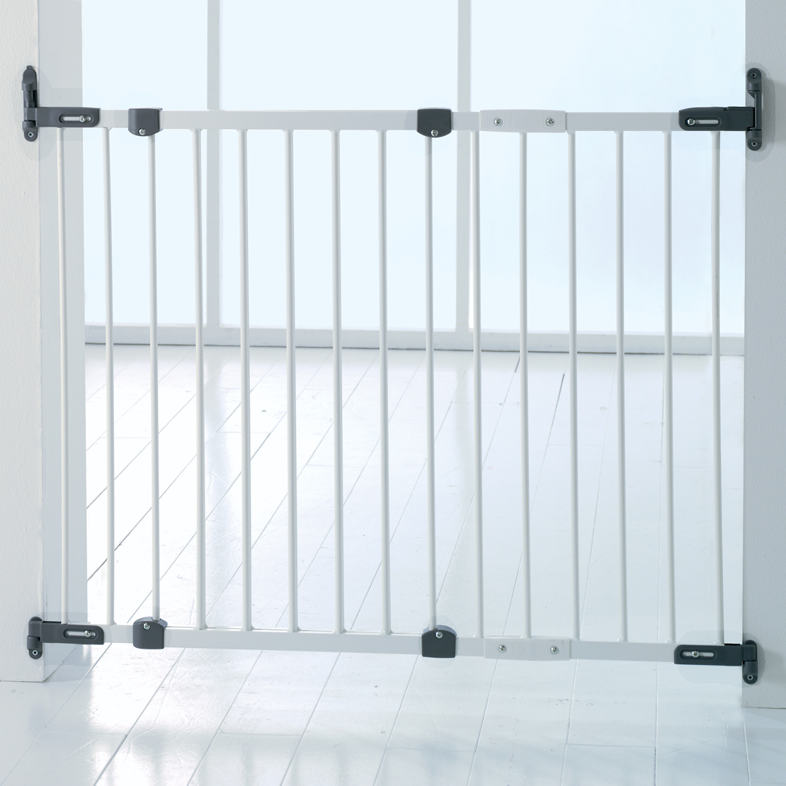 NEW-BABYDAN-WHITE-METAL-FLEXI-FIT-SAFETY-STAIR-GATE