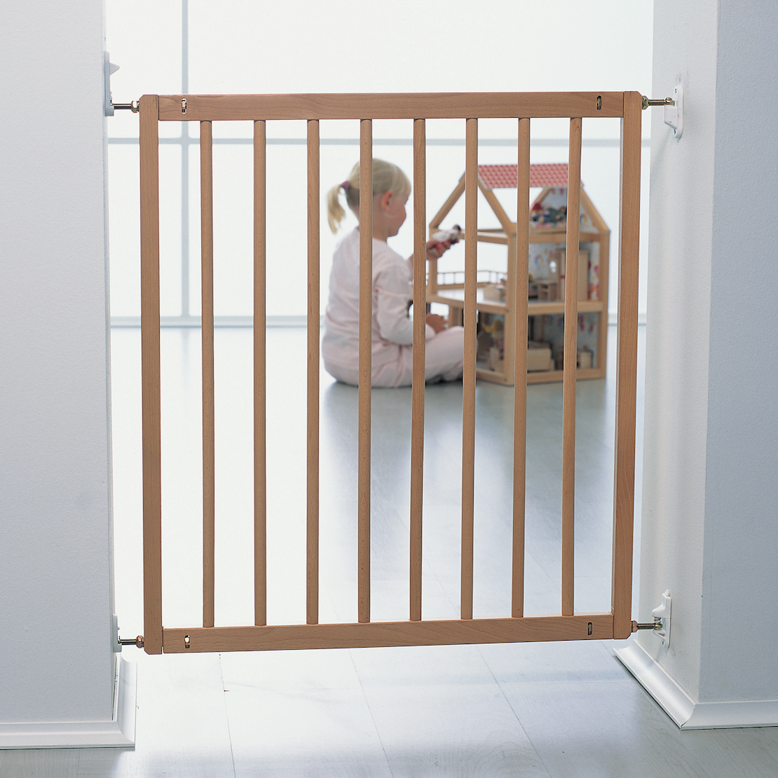 NEW-BABYDAN-NO-TRIP-WOODEN-BABY-SAFETY-STAIR-GATE